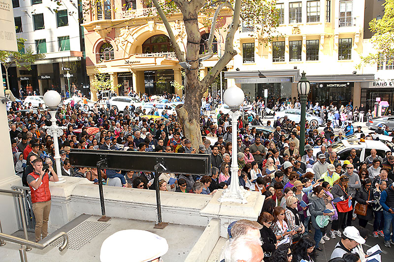 A vast crowd of 4,000 gather outside Collins Street Baptist Church for the Way of the Cross Easter 2015